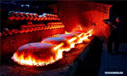 ตามไปดู กระบวนการผลิตชิงซาชี่ ภาชนะดินเผา มรดกวัฒนธรรมเก่าแก่ อายุกว่า 300ปี