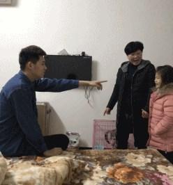 """ชาวเน็ตจีนแห่แชร์ """"ภาพความเจ็บปวด"""" ที่ลูกคนเดียวไม่มีวันเข้าใจ!"""